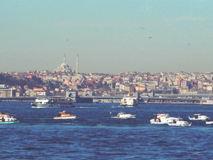 イスタンブール、ガラタ橋より